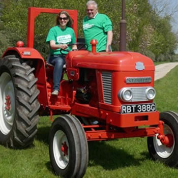 Burton Roofing Sponsor the 6th annual 'Wolds Valley Tractor Run'